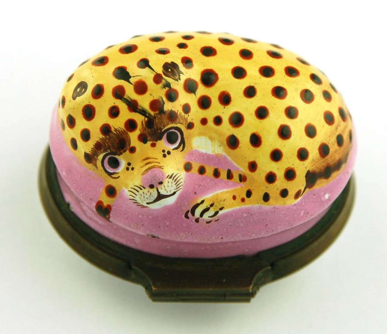 Bilston leopard patch box
