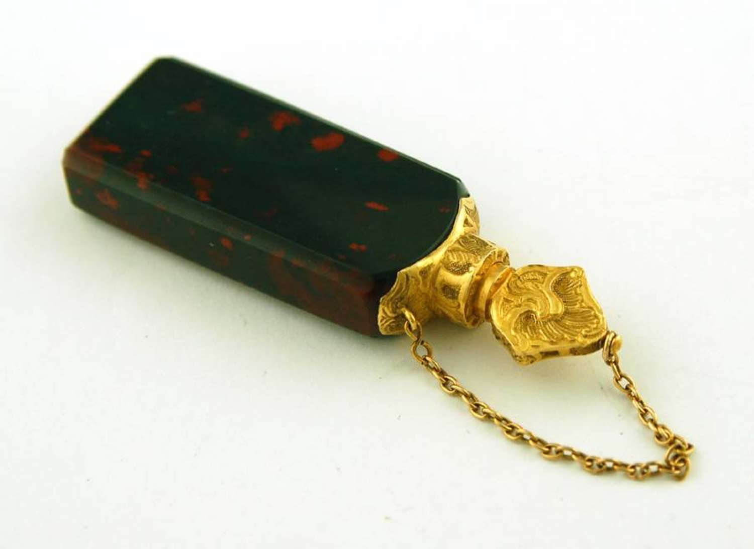 Bloodstone and gold scent