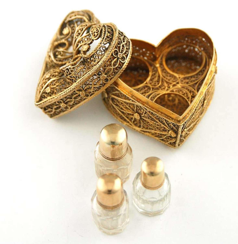 3 scents in filigree box