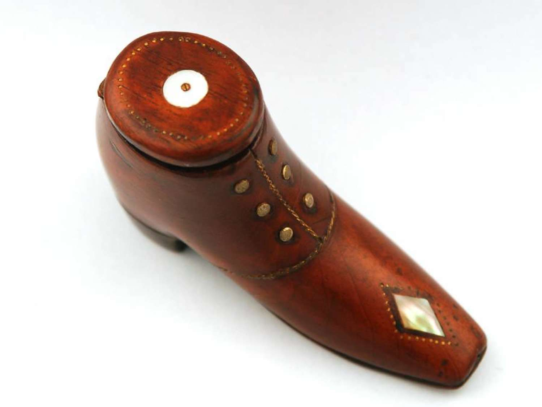 Snuff shoe C1870