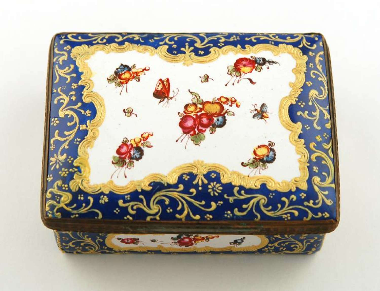Birmingham honeysuckle-design box